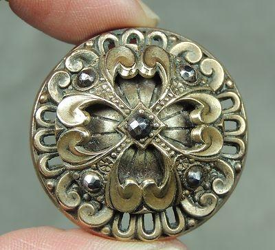 Brass Openwork Button w Cut Steels Metal