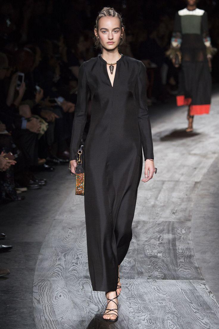 Valentino Spring 2016 Ready-to-Wear Fashion Show - Maartje Verhoef (Women)