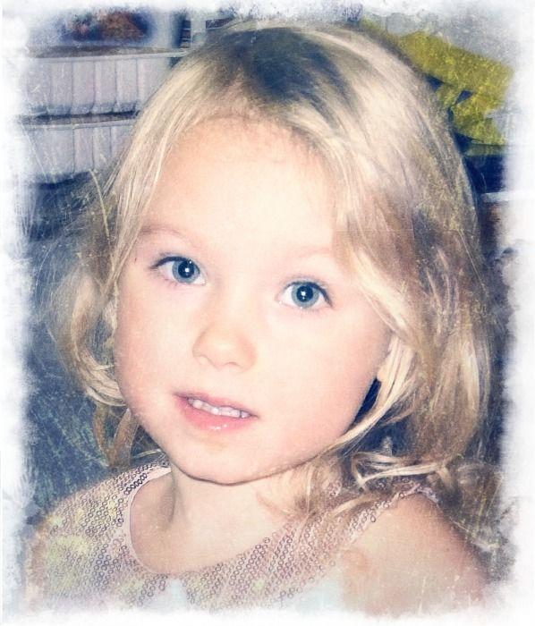 А это моя внучка Нелли, знакомьтесь.
