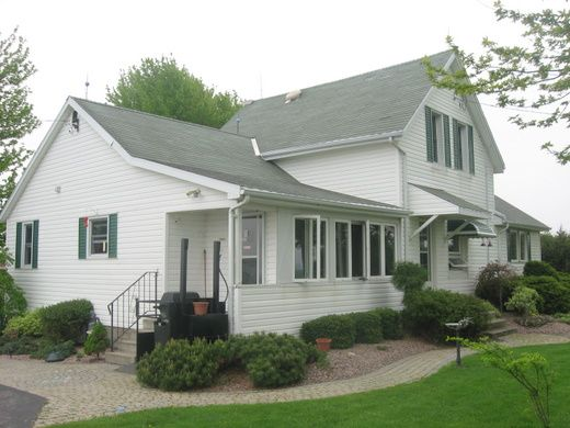House Tour - The Creek Line House