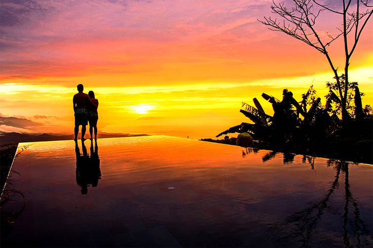 Amazing sunset! Who would you like to share this moment with ? #Odyssey #Tour #Indonesia #SoutheastAsia #sunset #Travel #Holiday #Vacation #Nature #Photography #View