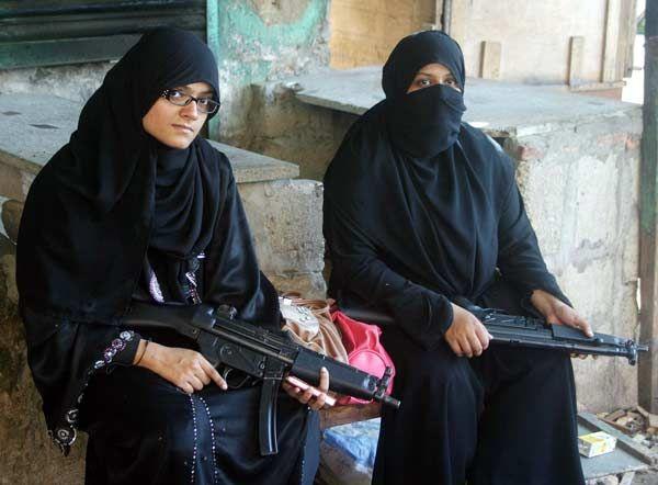 133 Best Policewomen Images On Pinterest Guns Clothing