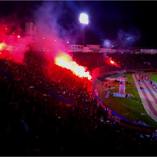 Hinchada del Deportivo Quito en la noche del triunfo de 4 a 1 frente a la Universidad de Chile