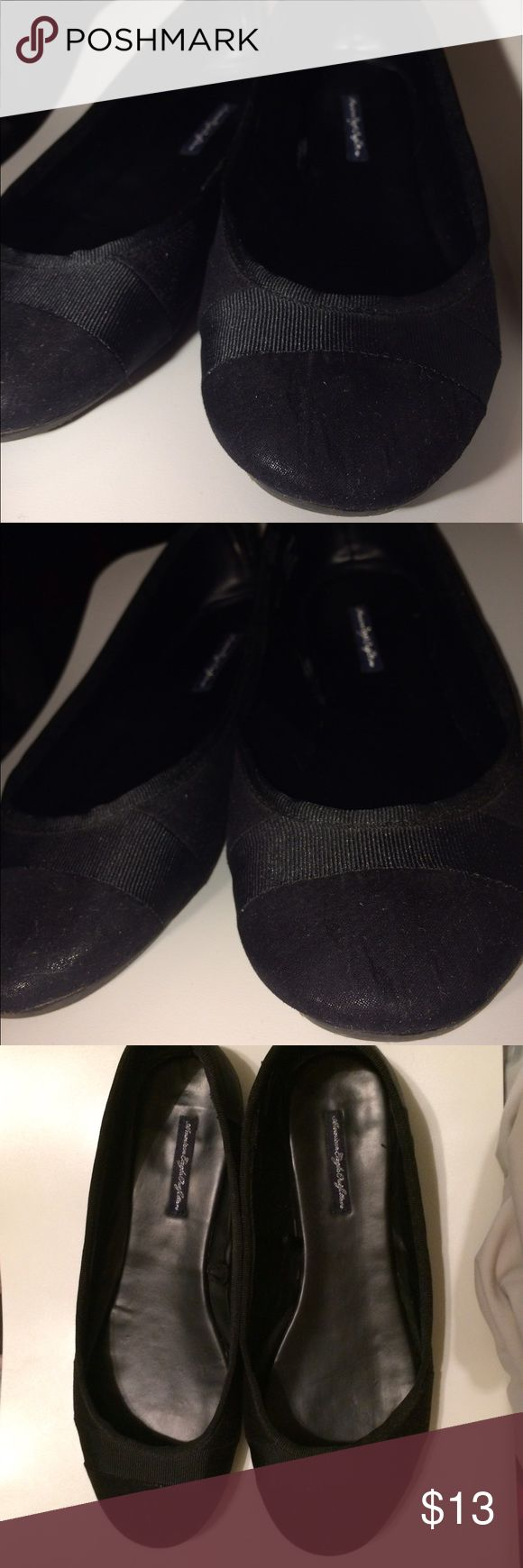 American Eagle Black Flat Shoes 🆓B2G1🆓 American Eagle Outfitters Black Flat shoes.      EUC on the insole and exterior of shoes. Some wear on the soles. Price reflects. American Eagle Outfitters Shoes Flats & Loafers