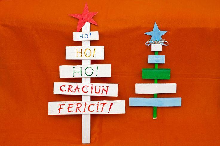 Braduti, mari sau mici. Lemn de plop, recuperat din ambalaje pentru aparatura de fitness. Vopseluri acrilice. Inaltime: 50-70 cm. Pret: 35/30 lei. Idea, handpainted, handmade, wood, wood crafts, reclaimed, diy, decor, diyromania, shabby chic, Christmas, decorations.