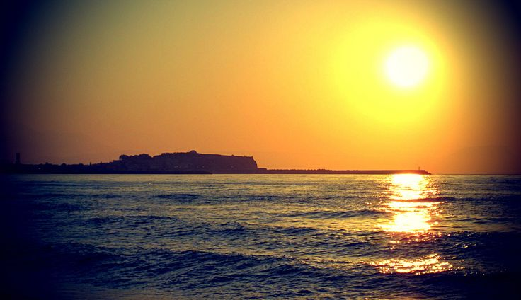 We want to catch the sun! #Sunset #Rethymno #Crete