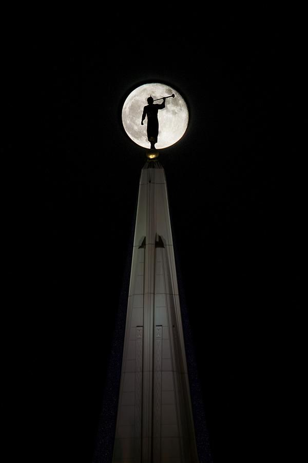 "THE MAN IN THE MOON! Moroni :) Mormonism in Pictures: The Gilbert Arizona Temple, House of the Lord. @BroSimonSays {brosimonsays.wordpress.com}, ""GREAT collection of photos from the Gilbert Arizona Temple!"" ""Mormonism in Pictures"" is a photo essay feature from Mormonnewsroom.org depicting The Church of Jesus Christ of Latter-day Saints and its members around the world. Today we feature photos of the newly constructed Gilbert Arizona Temple."
