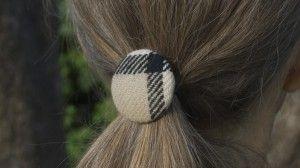 Hair accessories / hårelastik. Her ses 38 mm hår elastik på medium sat hestehale. Se mere på http://vintagealfien.dk/?page_id=424