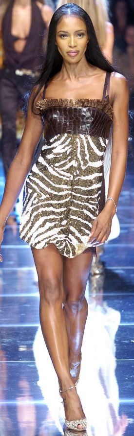 Naomi Campbell for Dolce & Gabanna Spring 2005---------------------------------- RECUERDOS---------------------------