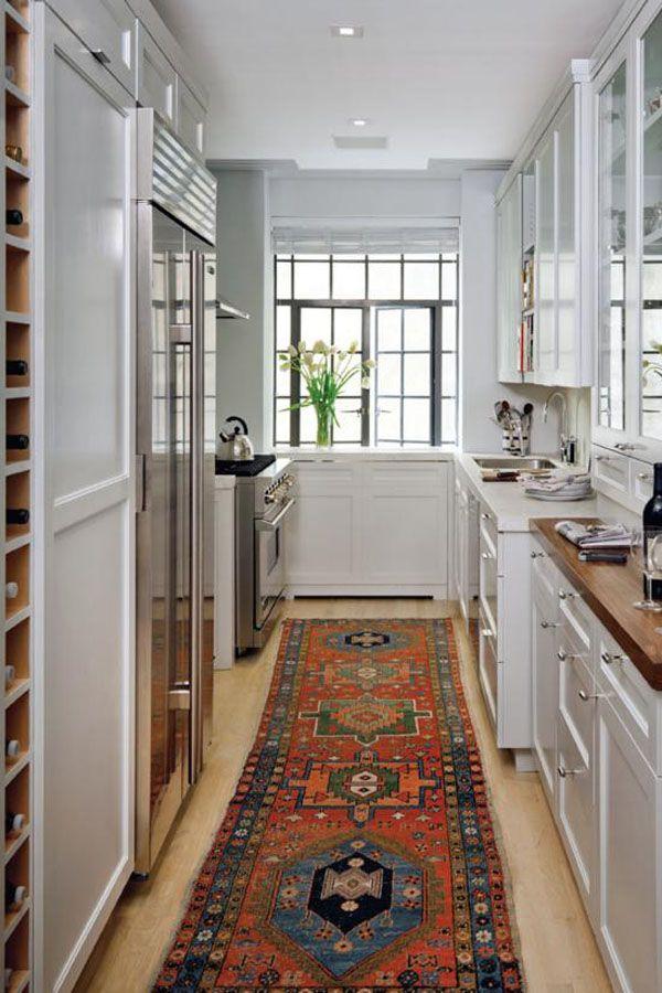 حلول عملية للتخزين في مطابخ مودرن صغيرة المساحة In 2020 Galley Kitchen Design Kitchen Design Small Small Galley Kitchens