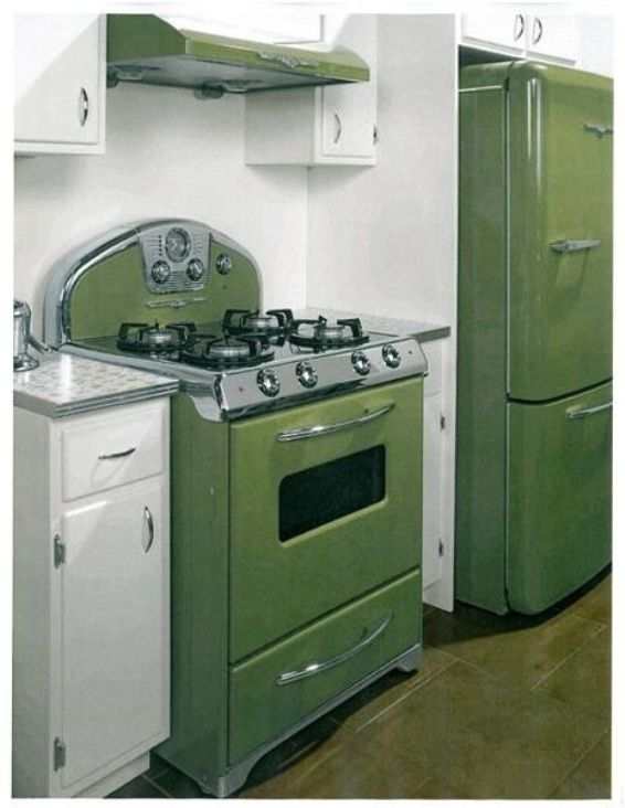 Loved when the kitchen appliances and toilet/sink/tub were done in colors like this (green,blue,yellow) vintage 70's: