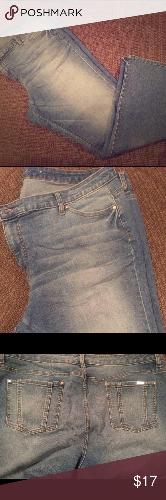 Jennifer Lopez Bootcut Jeans Jennifer Lopez Bootcut Jeans in size 20. Gently worn on bottom hem. Very comfortable! Jennifer Lopez Jeans Boot Cut