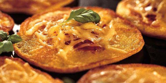 Kolacja: Placki kukurydziane z ziołami i serem