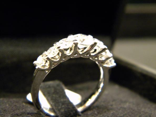 Veretta 7 Pietre in Oro Bianco e Diamanti Taglio Brillante