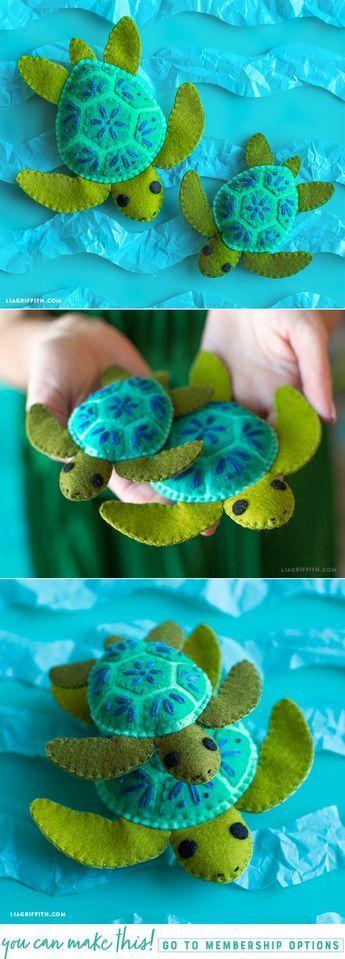 tartaruga em feltro. #Feltstuffie Pattern and Tutorial at www.LiaGriffith.com