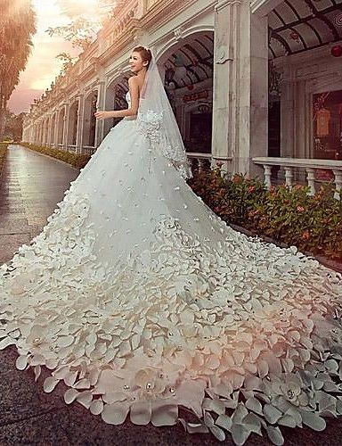A-line / Princess Wedding Dress Vintage Inspired Cathedral Train Strapless Satin / Tulle with Beading 2761260 2016 – $499.99