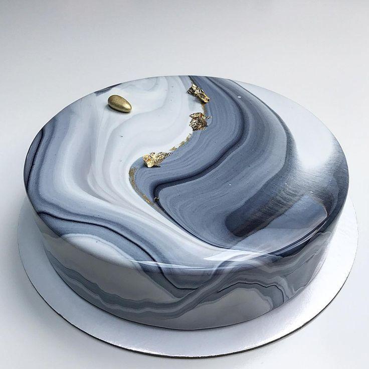 Торт для @elvira_napso_decoration Спасибо тебе за пинок, за идею и за поддержку! я так волновалась, что получится не так, как ты себе представляешь, но по-моему, мне все удалось! (скромно, да?) #tuapse #pastryartru #pastry_inspiration #cakedecorating #chocolatejewels #велюр #glaze #silikomart #dessertmasters #mirrorglaze #inspiration_cakes #муссовыйторт #торттуапсе #туапсе #торт #тортнаденьрождения #зеркальнаяглазурь
