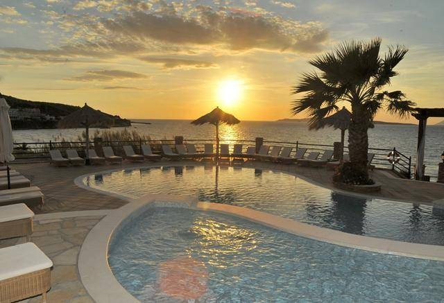Sunset Hotel Delfino Blu Boutique, Greece http://www.travelta.nl/griekenland?s=rd