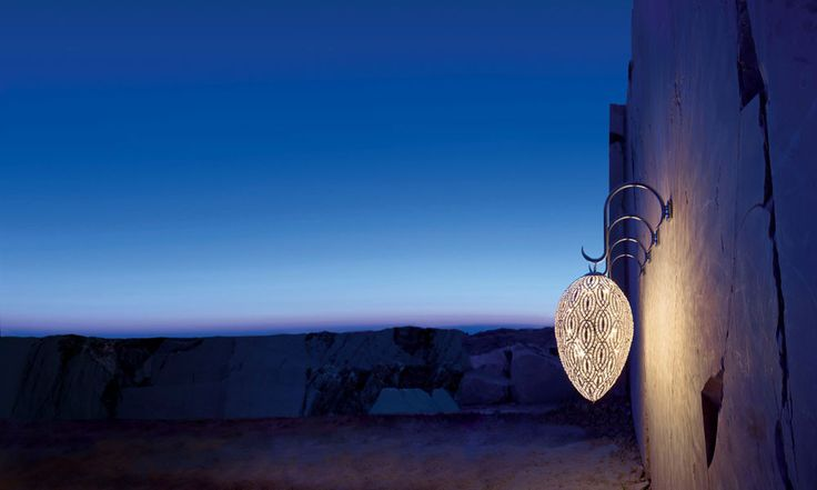 VgNewTrend WALL LAMP Sinuous drops and a multiplicity of linear shapes decorate walls, forming sophisticated design schemes that emphasise the sheer harmony of the details. Asco Lights offers lighting design services for both residential and commercial projects. www.asco-lifestyle.co.uk