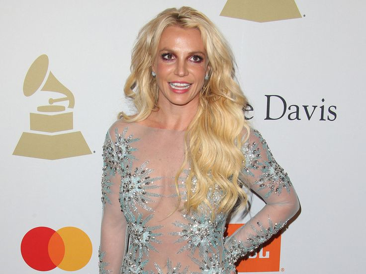 Jennifer Lopez hat ihrer Kollegin Britney Spears eine schöne Überraschung bereitet: Mit was kann man einer der erfolgreichsten Popsängerinnen aller Zeiten wohl eine Freude machen? Mit welchem Geschenk kann man einer der grössten Popsängerinnen aller Zeiten eine Freude machen? Mit Schuhen! Das...