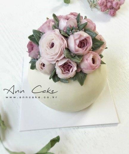 오늘은, 저의 연구작 케이크예요 ♥ 자나 로즈 버터 플라워를 올린 화병 케이크 빈티지하고 로맨틱한 스타...