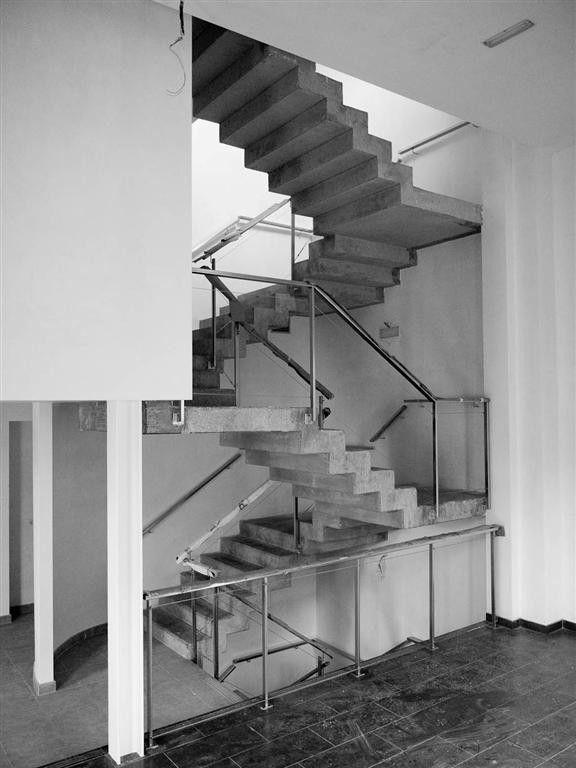Escalera hormigon estudio arkimet arquitectura for Escaleras arquitectura