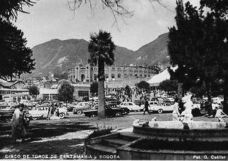 Plaza de Santamaria en Bogotá en los años 50s