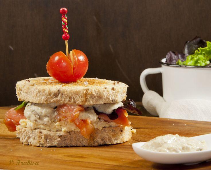 La Cocina de Frabisa | Sandwich de huevo, salmón y salsa tártara