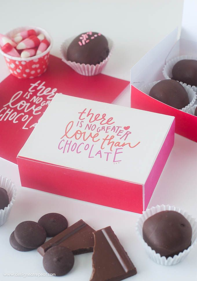 It's a little late for this Valentine's Day, but @Design Eat Repeat's Printable #DIY Chocolate Box is precious! /ES