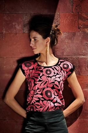 Mexican fashion... so pretty!