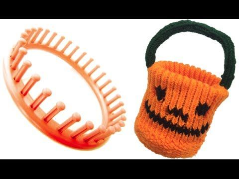 So cool! I never thought of doing this to get a flat round bottom bucket kind of bag!   Round Loom Trick Or Treat Pumpkin Bag - YouTube
