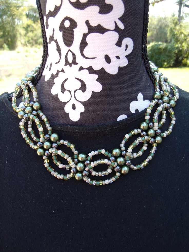 weaved greens collar necklace