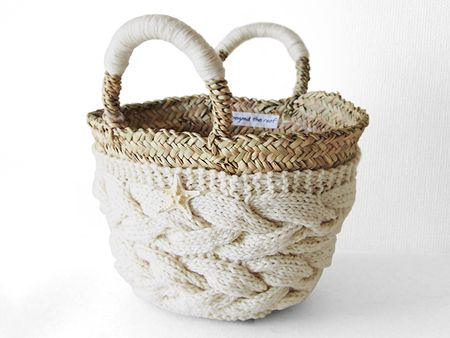 knitted bag * inspiration / かごバッグ-(M)-WT - Beyond the reef 丁寧に編み込まれたニットとシェルでアレンジされた大人女子の自慢のかごバッグ