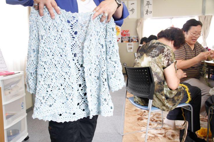 かぎ針編みレースのカーディガン Crocheted Lace Cardigan