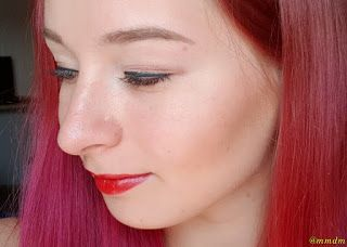 Bronzerul de la Paese în nuanța 1P . girl, red, redhair, redhead, makeup, young, close up, face, eyeliner, redlips, redlipstick, bronzer, paese