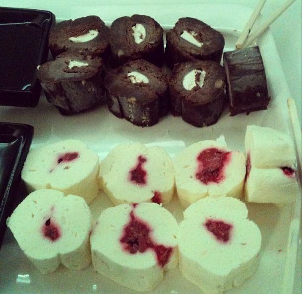 Roll de Brownie y Chessecake - Niu Sushi