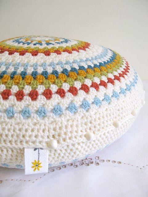 Mejores 117 imágenes de Crochet pillows en Pinterest | Alfombras ...