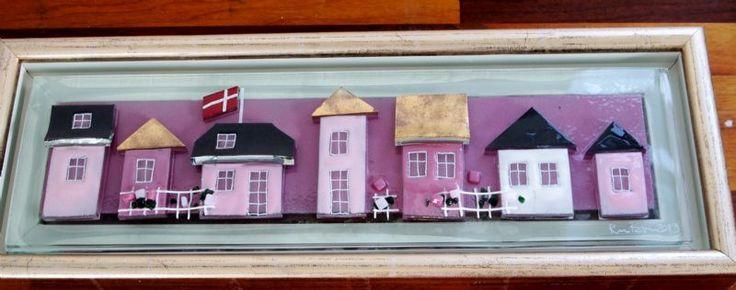 glasbillede 16x45 m. rosa huse/ guld