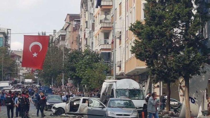 """Bom sepeda motor meledak di Istanbul 10 orang cedera  ISTANBUL (Arrahmah.com) - Sebuah bom sepeda motor meledak pada Kamis (6/10/2016) di dekat kantor polisi di Yenibosna sebuah distrik di barat laut Istanbul menyebabkan sepuluh orang cedera menurut Anadolu Agency.  """"Sebanyak 10 orang terluka termasuk satu orang dalam kondisi serius dalam kecelakaan itu. Semua orang yang terluka adalah warga sipil bukan polisi"""" surat kabar Turki Yenisafak mengutip pernyataan Gubernur Istanbul Vasip Sahin…"""