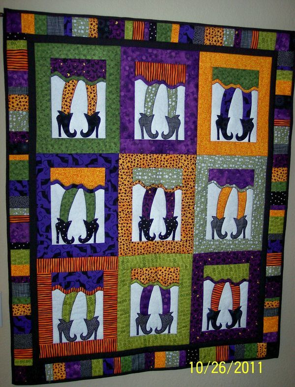 An adorable quilt for Halloween! You can either hang this up or use it to hide when watching scary movies!