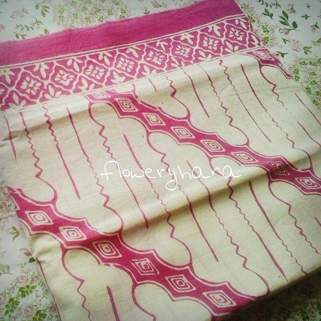 Batik Flowery Hana @floweryhana Instagram photos | #batik #batikindonesia #batikparang #indonesianbatik