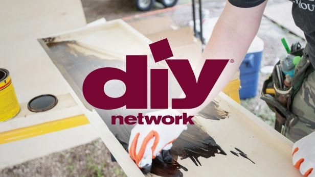 Want an easy, inexpensive color change for your bathroom? Paint that old, laminated countertop for a simple makeover with a big impact. DIYNetwork.com shows you how.