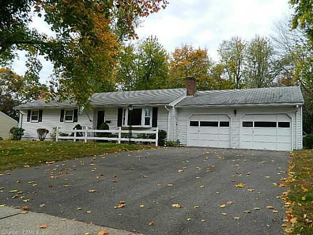 East hartford sold classic ranch home awaits new owners for Classic ranch homes