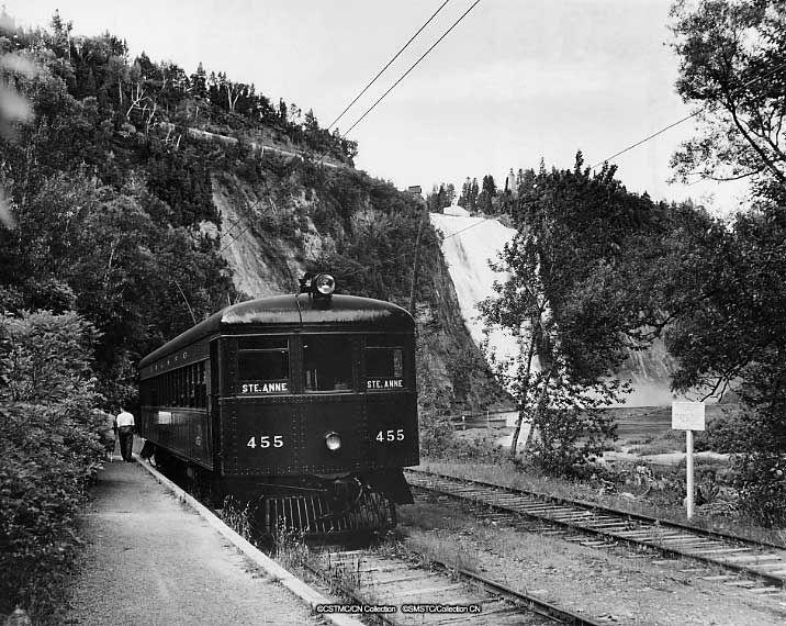 QRL & P Co. electric Interurban car 455, Québec to Sainte-Anne de Beaupré service at Montmorency Falls