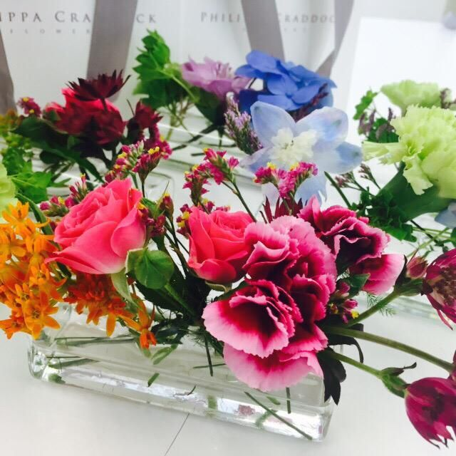 How sweet are these? Beautiful bud vases designed for us by @PhilippaFlowers #bronnleyblooms