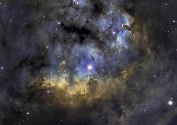 Μια Λαμπερή Περιοχή Σχηματισμού Άστρων