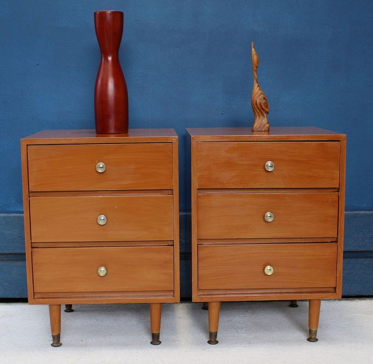 Some marks / wear commensurate with age and use. 3 drawers each bedside, drawers all slide smoothly. Cash on pick up after inspection is preferred and recommended. Our Showroom is located in Noble Park which is 30 mins from the Melbourne CBD area. | eBay!