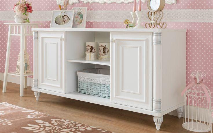 #romantic #çilekodasi #cilekroom #decoration #dekorasyon #genc #oda #pembe #beyaz #pembeoda #beyazoda #klasik #vintage #white #pink