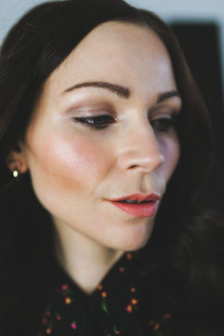 Winter Makeup mit Glow, Alltags-Make-up mit glow, High-end Makeup, Mac Cosmetics, Estee Lauder, Anastasia Berverly Hills, Lacome, natürliches Tages-make-up, Kleidermaedchen Modeblog, Magazin, erfurt, thueringen, berlin, Beautyblog, kleidermaedchen.de, Influencer Marketing und Kommunikation, Beauty, Beauty-Tutorial