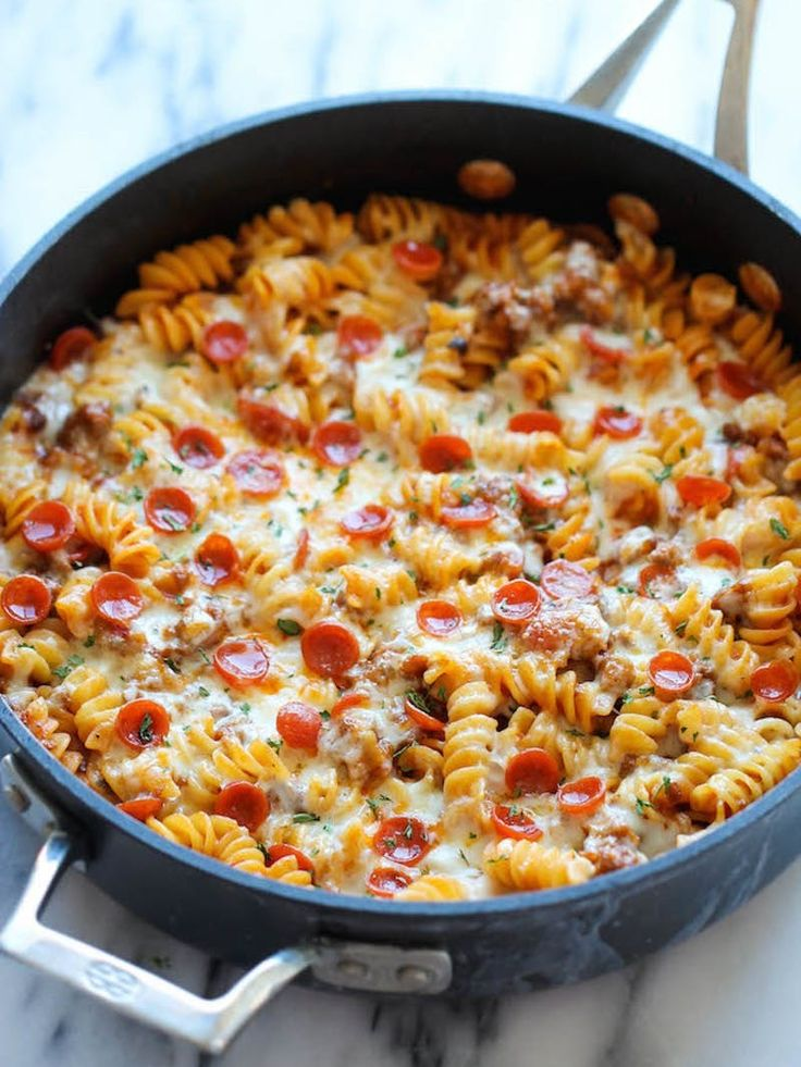 10 Bloggers Share Their Favorite One Pot Recipes. These quick and easy one pan meals are life savers for weeknight dinners. A lot more healthy than takeout or going out to eat. There are all kinds of ideas in here for pasta, chicken, lasagna, vegetarian, curry, shrimp, sausage, pizza, rice, short ribs, enchiladas, and more!